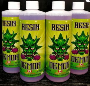 Resin Demon Bong cleaner